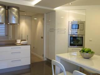 Cuisine de style  par teese interiorismo, Moderne