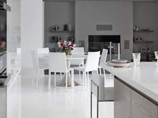 Purity Modern kitchen by Mowlem&Co Modern