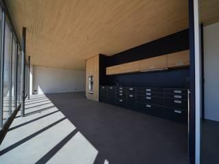 Mehrfamilienhaus in Bern:Totalsanierung und Erweiterung Moderne Wohnzimmer von Quadrat AG Modern