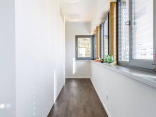 Haus Bramsch: modern  von Ruairí O'Brien. Architektur. Licht. Raumkunst.,Modern
