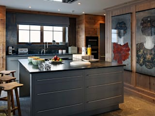 Kitchen by Architectural Interiors + Superyacht Photographer, Scandinavian