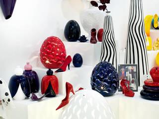 Giardino segreto: Ingresso, Corridoio & Scale in stile in stile Moderno di Crestani Ceramiche