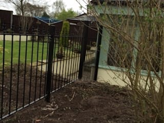 Bespoke Gates and Fencing: classic  by Garden Gates Direct, Classic