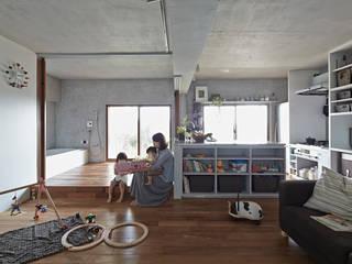 Rumah Gaya Eklektik Oleh Takeshi Shikauchi Architect Office/鹿内健建築事務所 Eklektik