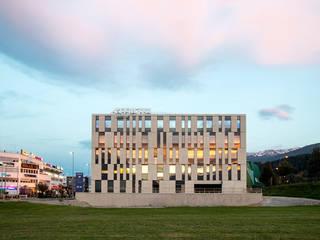 Atrium Amras Innsbruck: modern  von Thilo Härdtlein I Fotografie,Modern