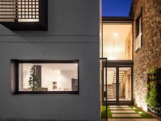 House JA - designed by Filipe Pina and Inês Costa.:   von Joao Morgado - Architectural Photography