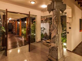 Kumar Moorthy & Associates Eclectic style corridor, hallway & stairs