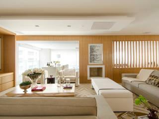 Salas modernas de Prado Zogbi Tobar Moderno