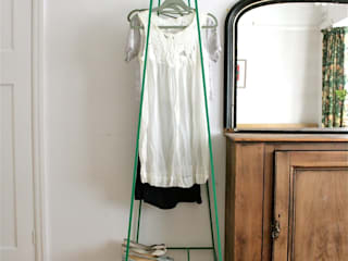 'A' Clothes Rail por &New Minimalista