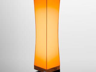 MATTcox Standleuchte: modern  von Licht in Form,Modern