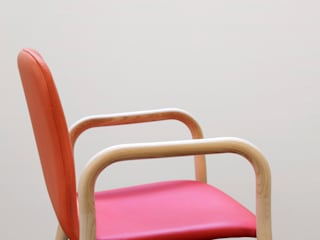 Two Tone chair Oleh IWASAKI DESIGN STUDIO