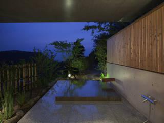 Modern bathroom by TOSHIAKI TANAKA&ASSOCIATES/田中俊彰設計室 Modern