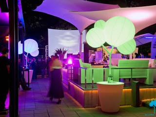 Club: Spazi commerciali in stile  di Bellaria Design