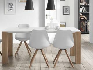 Salle à manger design Louis blanche:  de style  par Mobilier Nitro