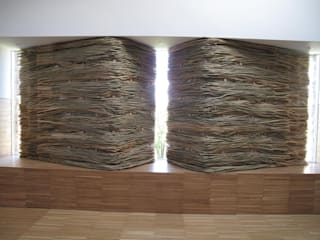 Slow Wall :   by Lee Borthwick