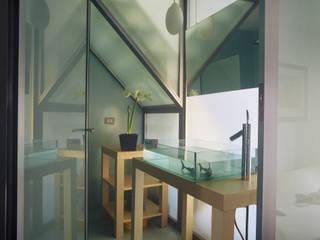 Abitazione Via Kramer: Bagno in stile  di Milano Design Lab