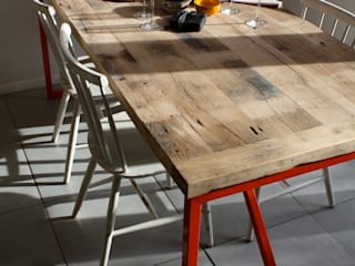 Kanteen Dining Table in Reclaimed Oak Salvation Furniture Salle à mangerTables