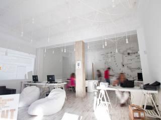 Sede Bai&By Madrid Estudios y despachos de estilo industrial de Ramos Bilbao Architects Industrial