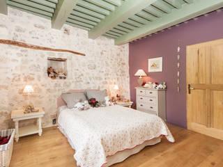 Dormitorios de estilo ecléctico de Pixcity Ecléctico