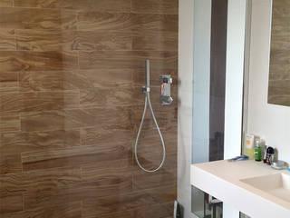 Baño principal: Casas de estilo  de Calizza Interiorismo