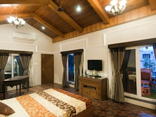 mr. vikas agrawal Classic style bedroom by artha interiors private limited Classic