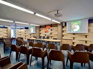 Rustic style media room by Fabio Gianoli Rustic