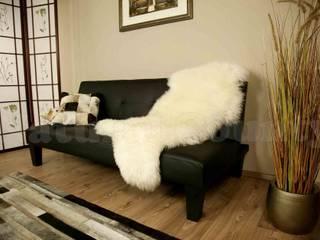Ökolammfel auf dem Sofa:   von Felloase