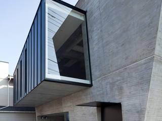 в современный. Автор – 庄司寛建築設計事務所 / HIROSHI SHOJI  ARCHITECT&ASSOCIATES, Модерн