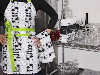 TORCHON / DISH TOWEL vinasse par décoratoire Moderne