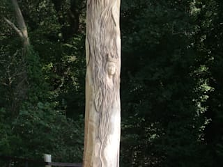 Queen Eleanors Tree:   by The Carved Tree