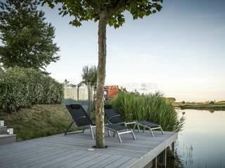 Moderne villatuin Middelburg:  Tuin door ERIK VAN GELDER | Devoted to Garden Design