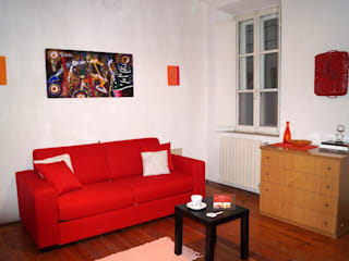 Soggiorno dopo intervento di Home Staging:  in stile  di ArchitetturaIN