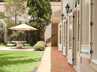Prado Zogbi Tobar Classic style houses