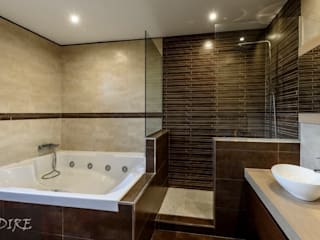 Modern bathroom by Indire Reformas S.L. Modern