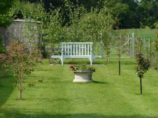 New Arboretum in Berkshire Cornus Garden Design Rustic style garden