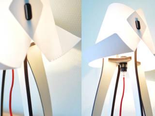 "Lampe à poser ""Cornet' G1B"" par Chuilletcreation Moderne"