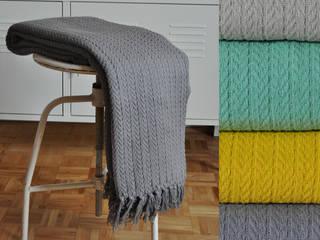 Narzuta pled Greta - kolor szary: styl , w kategorii  zaprojektowany przez DECOVENA