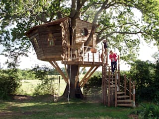 Taman oleh Squirrel Design Tree Houses Limited, Rustic