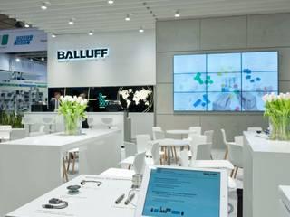 Klassisch-moderner Markenauftritt für Balluff auf der Hannover Messe Modernes Messe Design von Expotechnik Group Modern