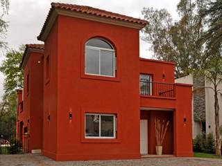 CASA AP - BARRIO PRIVADO LA MORADA - BELLA VISTA: Casas de estilo  por Desarrollos Proyecta