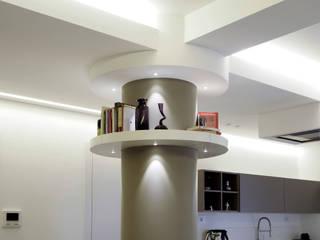 Casa BT: Ingresso & Corridoio in stile  di Laboratorio di Progettazione Claudio Criscione Design