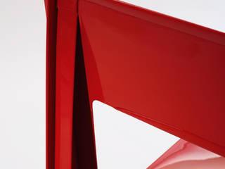 Chaise La pliée, Ligne Roset:  de style  par MARIE AURORE STIKER METRAL