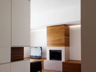Casas de estilo  de (dp)ªSTUDIO, Minimalista