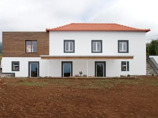 Quinta H | eco-renovation | Madeira Rustic style house by Mayer & Selders Arquitectura Rustic