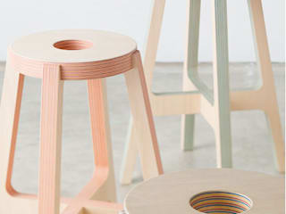 Paper-Wood STOOL von DRILL DESIGN Co., Ltd. Minimalistisch