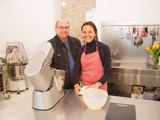 Foto de Giovanna Peracchia con Xavier Torres de Fdesignstudio: Cocinas de estilo  de F Design Studio