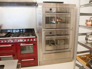 hornos Smeg: Cocinas de estilo  de F Design Studio