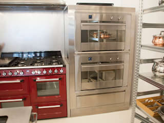 Industrial style kitchen by F Design Studio Industrial