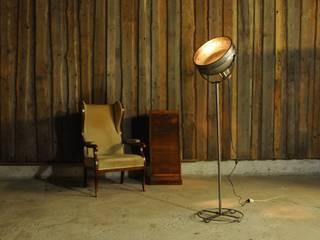 Onkel Edison Stehlampen: industriell  von Onkel Edison,Industrial