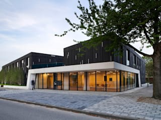 Protected housing:  Huizen door Möhn + Bouman architects